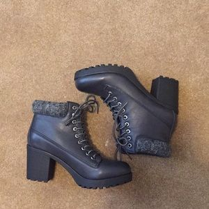 NEW BLACK BOOTIES SIZE 10